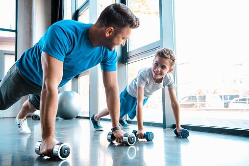 Les enfants devront-ils faire du sport ?